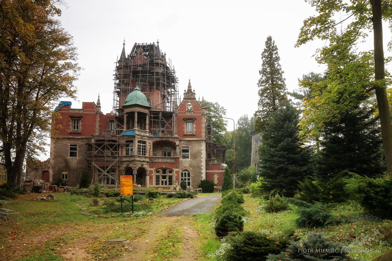 Pałac w Wojanowie-Bobrowie